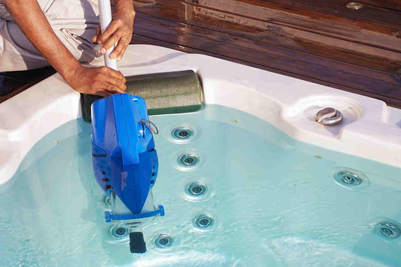 Planschbecken Wasser reinigen